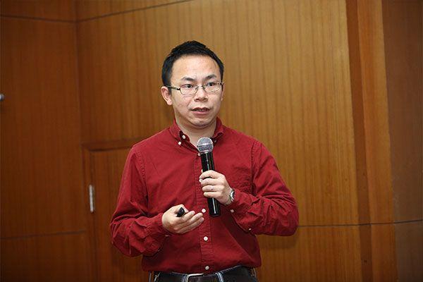 北京大学副教授:邹磊.jpg